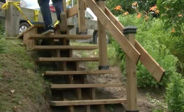加漢自製花園樓梯只需550加元 市議會表示非法 合法要15萬加元