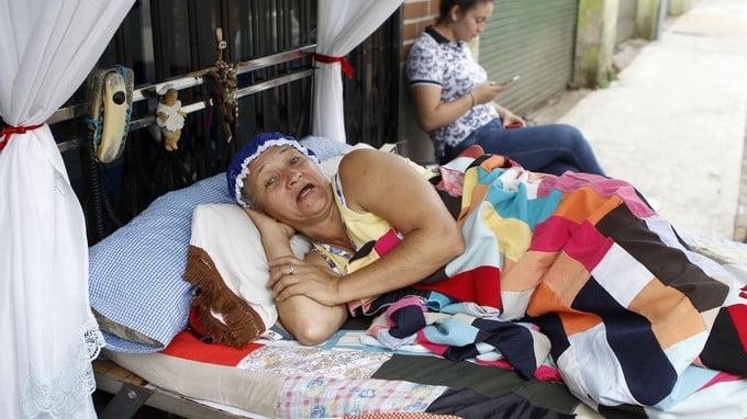 哥倫比亞度過第33年慶祝世界爛訓日