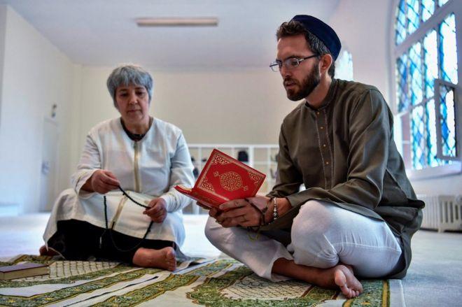柏林新式清真寺請同性戀法國教長 惹爭議