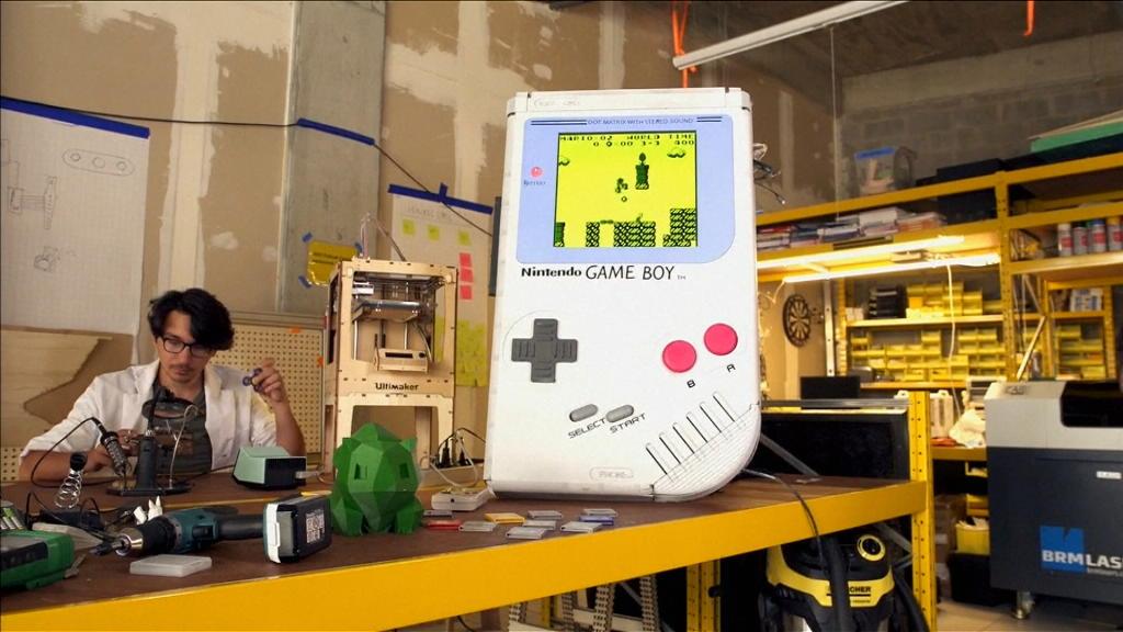 比利時學生做全世界最大真玩得嘅 Gameboy?