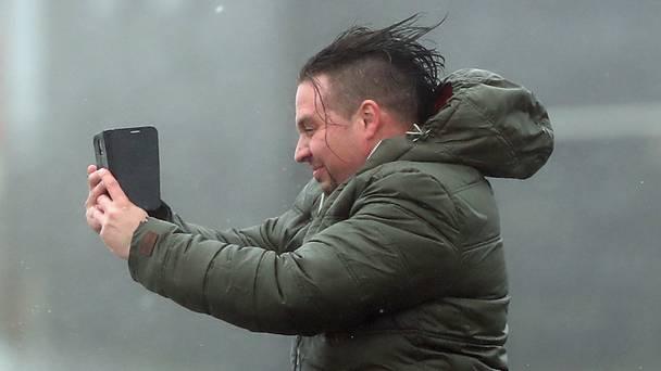 愛爾蘭面對颶風吹襲 市民幽默面對 最有趣竟然係串錯風名?