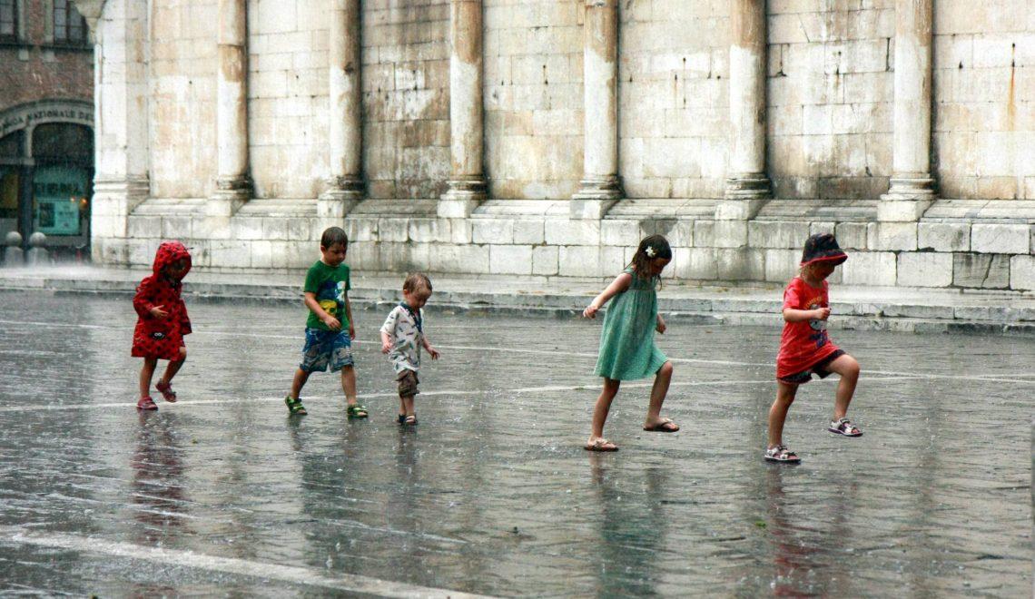 義大利終於修法 容許細路可自行離開學校 非必須大人陪同