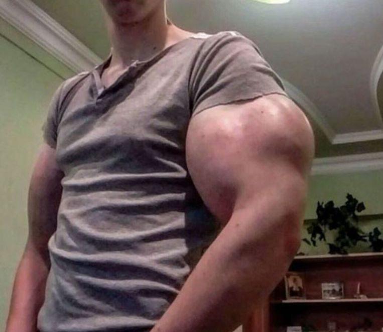 露西亞男唔使運動做粗重嘢都滿臂肌肉?