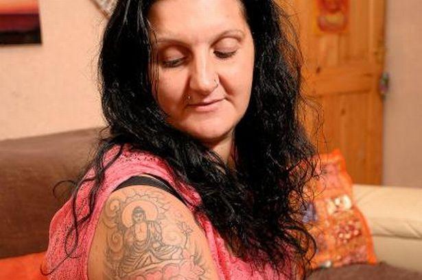 英女因佛陀紋身被監禁 斯里蘭卡警察被法庭判必須賠償