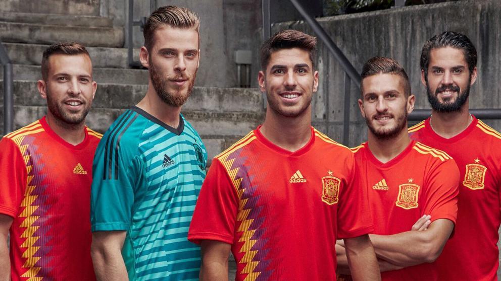 Adidas 西班牙波衫「錯」用「共和國顏色」被狂X