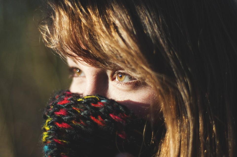 奧地利新法禁止遮面 但天氣夠凍圍巾可豁免 但從無講明點為止凍