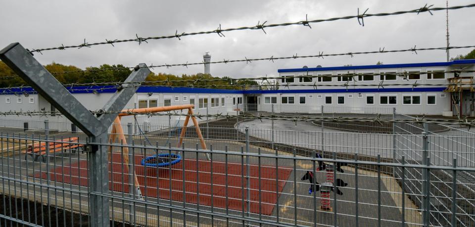 阿富汗難民逃走 搞到漢堡機場班機被取消