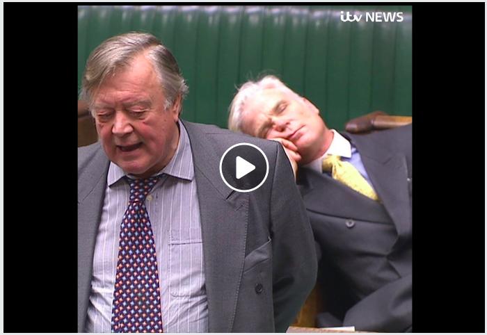 英議員開會訓教 「議會之父」提到基本人權即刻彈醒?