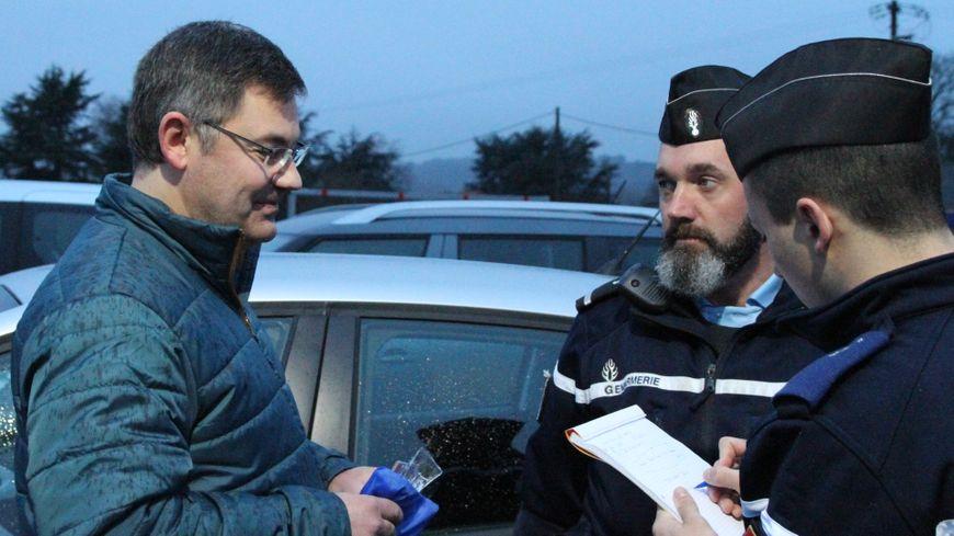 法國警察罰到怕 決定要嘗試新方法 呢次係獎勵守法司機?