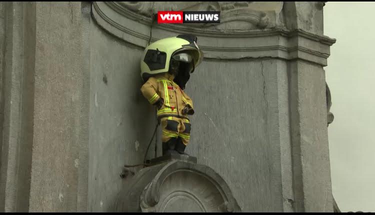 比利時尿尿小童紀念消防員 但服裝頭盔太大 Epicfail