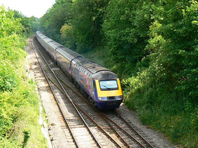 英國鐵路服務商 延誤反而有錢賺?