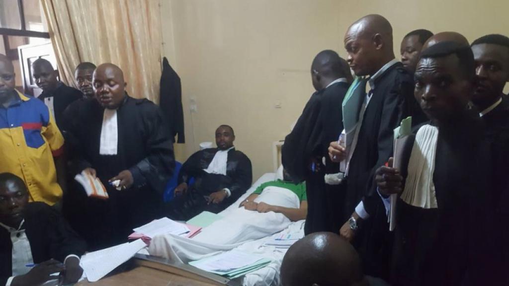 剛果政府審訊政治 病重入院都要病床前開庭