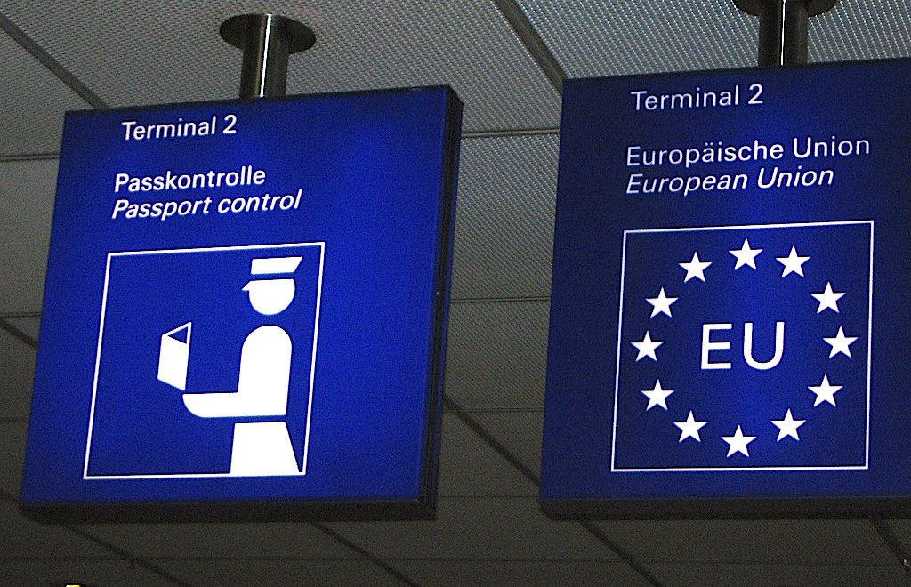 歐盟表示:已經準備好嚴查英國護照 呼籲旅客要有耐性