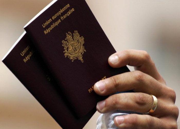 移民法國 因拒絕握手 而被DQ 拒絕入籍