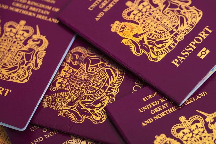 蘇格蘭居民發現5本護照被當局大兜亂