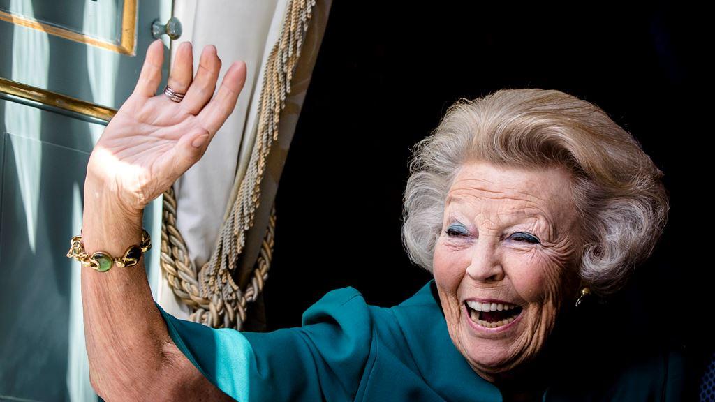 荷蘭女皇退位5年 仲有旅客搞錯日子搵party 媒體直指係「契丹人 fail」