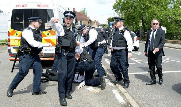 黑幫成員喪禮浪費警力 成本高達26000鎊