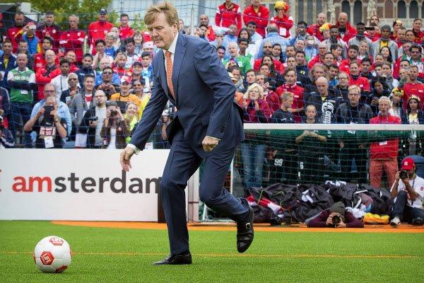 荷蘭皇帝希臘渡假 惹民憤被迫取消