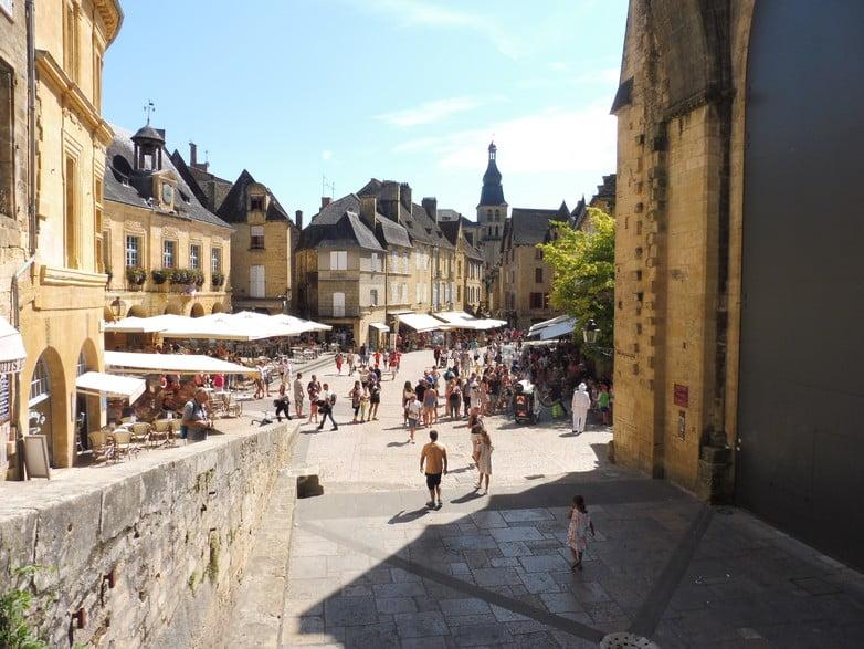 法國地方因為街道無命名 中央政府拒絕撥款設置wifi
