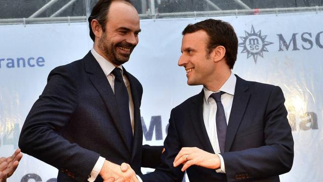 法國總理識得多國語言 公開場合堅持法文 同總統不同調