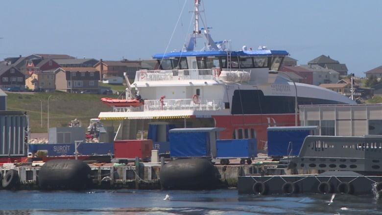 法國離島渡輪起好曬 加拿大碼頭足足3年都無經費擴建 車上唔到船?