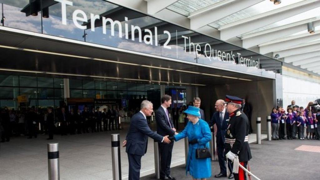 希斯路機場再大排長龍 7個鐘先入到境