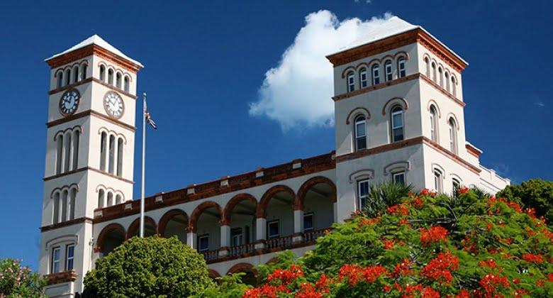 百慕達高官兩個仔 係英國被揭販毒 被判監禁4年