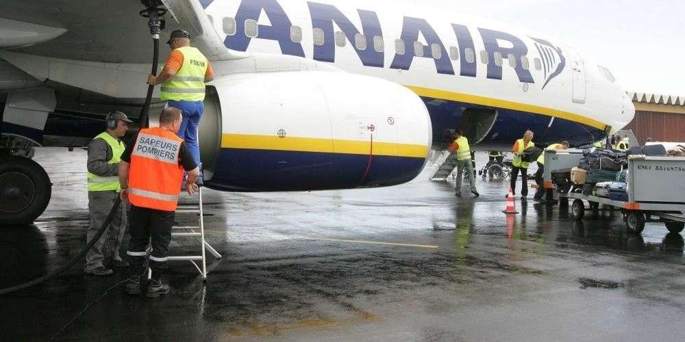 法國追討壞人航空欠款 乾脆執達吏去機場阻止飛機起飛?