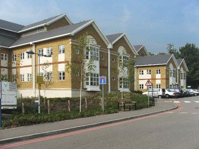 英母女入住倫敦醫院 公屋竟然被充公 要住普通病房15個月
