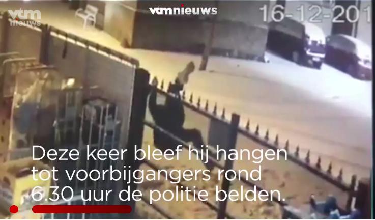 比利時蠢賊兩度被困 深夜倒掛房屋大閘外