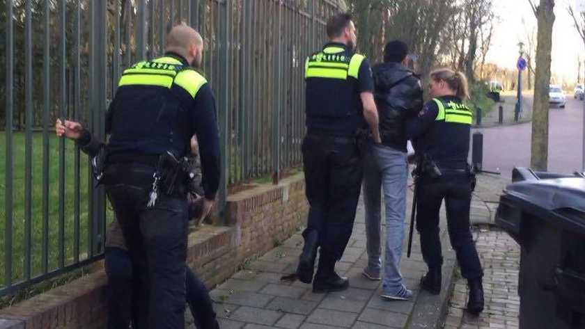 伊朗疑派出殺手對付係荷蘭異見人士 大使館遭到示威者「報復」