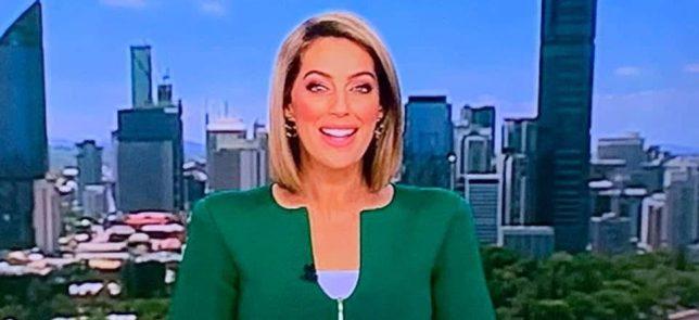 澳洲電視新聞再現 J 型外套 網路瘋狂