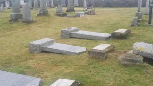 蘇格蘭離島墓碑政策翻來覆去 導致島上民怨沸騰