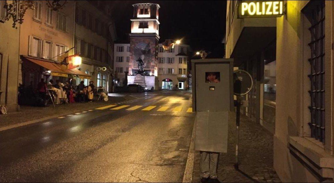 Remi 惡搞會傳染 瑞士佬都搞人肉快相機?