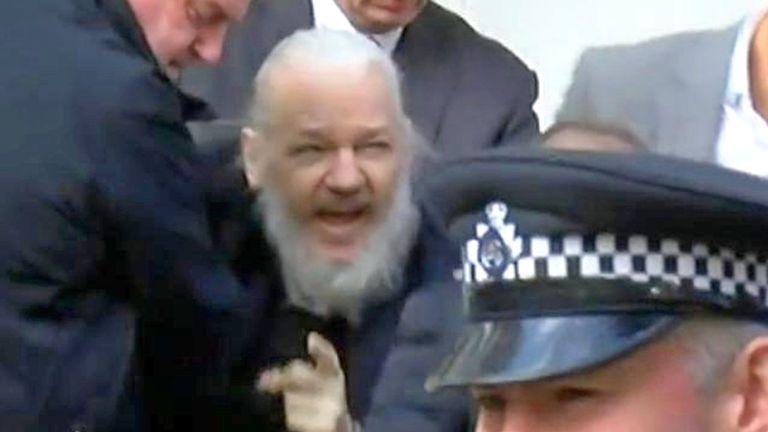 英國勞動黨口裡支持Wikileaks 卻強硬對付黨內leaks?