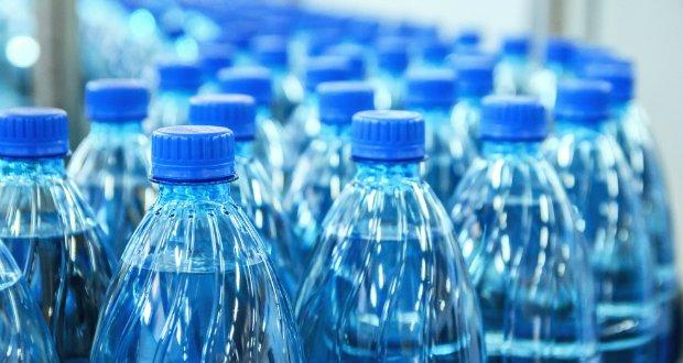 英學校可送免費午餐 但水就要用錢買?