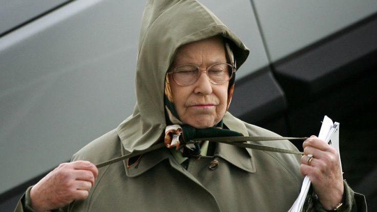 美旅客到訪蘇格蘭皇宮 見到事頭婆本尊都唔認得