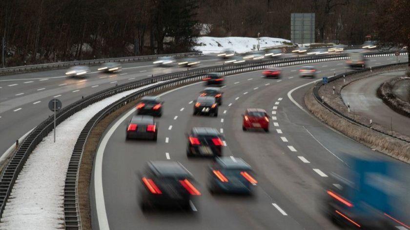 德國綠黨提 autobahn 時速限制 慘遭否決