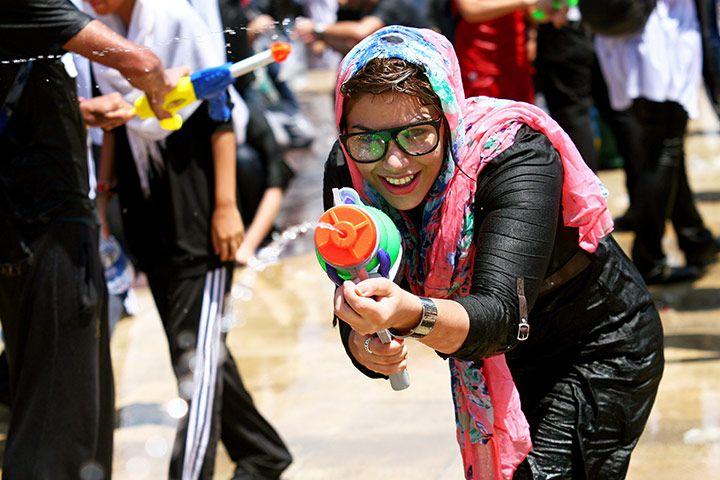拘捕女童用男警 伊朗警方被砲轟州官放火