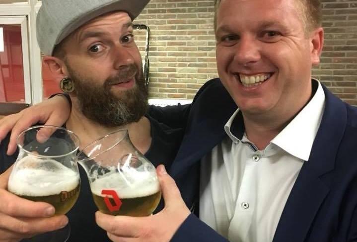 比利時警察驅散party 赫然發現市長係其中一份子
