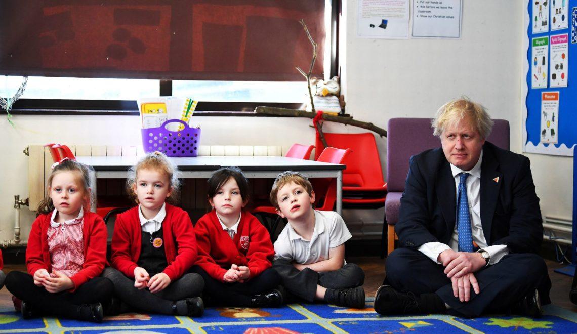 英國學校提出學費減半留客