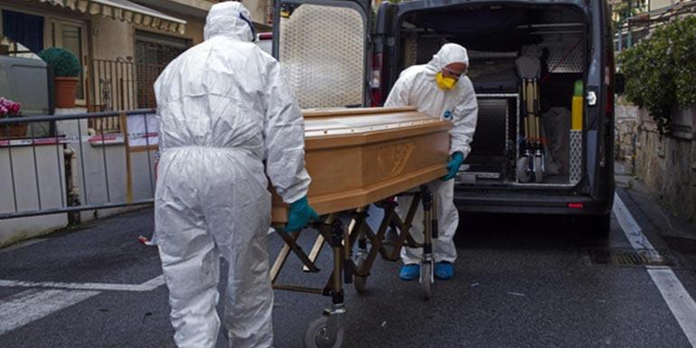 義大利專家質疑 政府報少1/3死亡人數