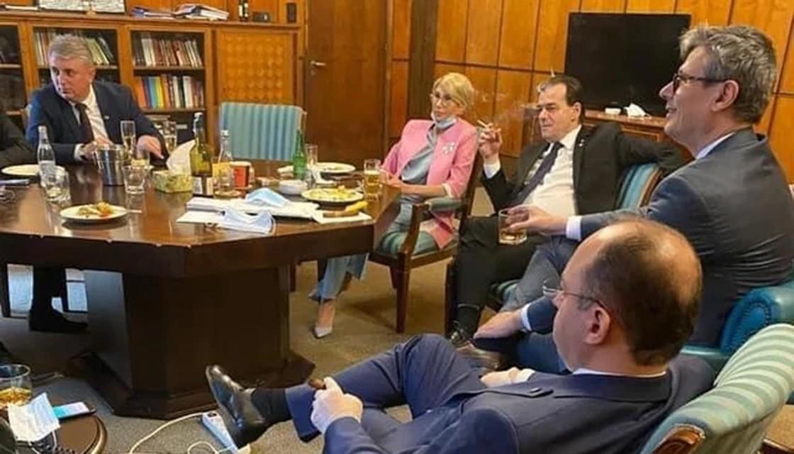 羅馬尼亞總統違反禁令 自行交罰款