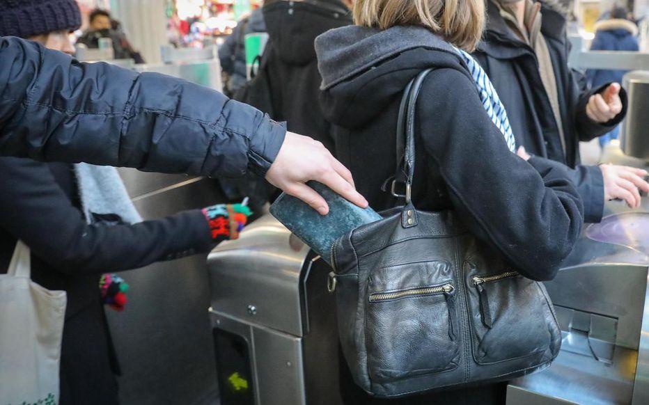 巴黎地鐵扒手年底比年初增加60%?