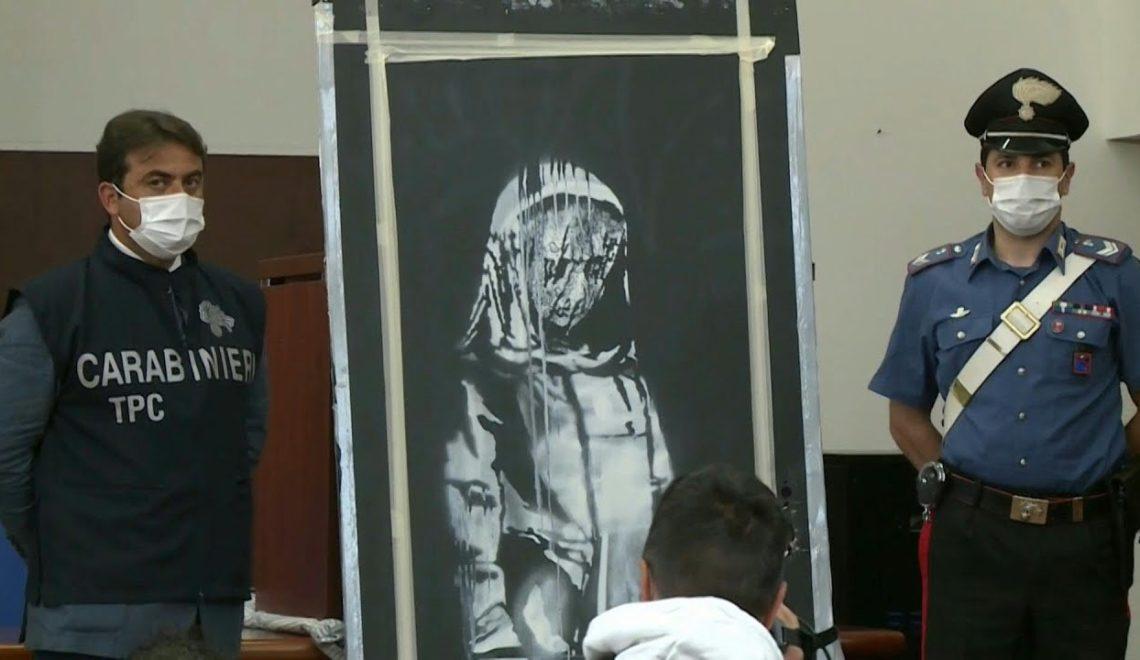 Banksy 巴黎恐怖襲擊逃生門作品 最後成塊去咗義大利?
