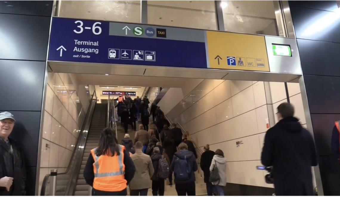 柏林新機場落火車站電梯都無