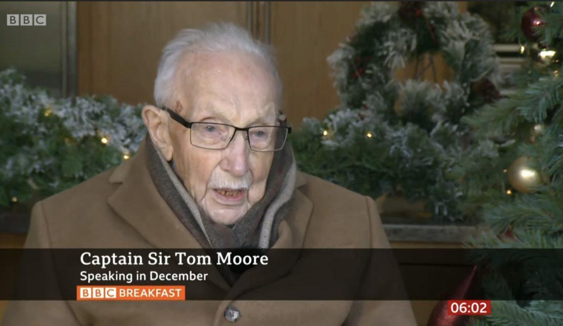 【突發】曾以每日步行為NHS籌款百萬鎊老兵 Sir Tom Moore 因武漢肺炎病逝