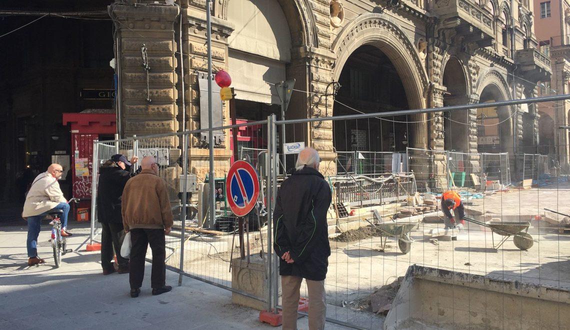 義大利新字 Umarell:一有新設施廢老就衝出去品評